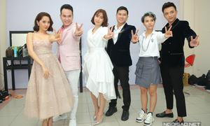 Vũ Cát Tường gây bất ngờ khi mặc váy đi quay The Voice Kids