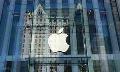 Apple trở thành công ty Mỹ đầu tiên có vốn hóa vượt 1.000 tỷ USD