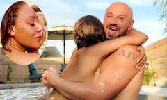 Mel B đăng ảnh khỏa thân táo bạo với bạn khác giới