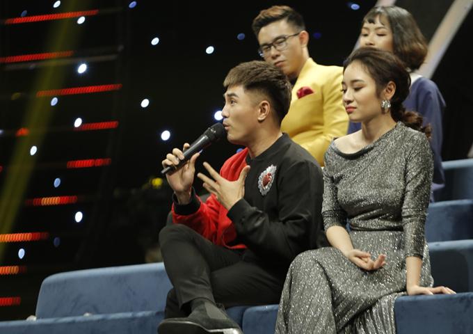 Sau khi Huy Khánh phát hiểu, Will bật lại ngay: Anh Huy Khánh à, anh cẩn thận nha, nghiệp còn ở phía sau đó. Màn chặt chém nhau của chàng ca sĩ và thành viên ban bình luận Nhạc hội song ca khiến khán giả cười nghiêng ngả.
