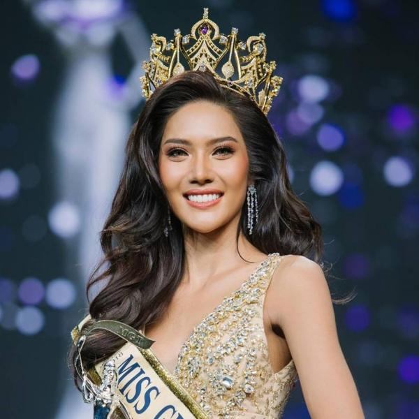 Namoey Chanaphan đăng quang ngôi vị Hoa hậu Hoà Bình Thái Lan vào hôm 15/7 vừa qua