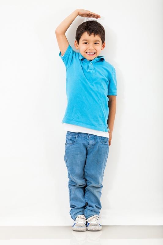 Ngoài yếu tố di truyền, chế độ dinh dưỡng của trẻ trong 3 năm đầu góp phần thúc đẩy phát triển chiều cao.