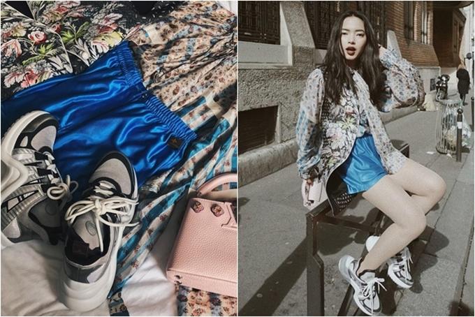 Châu Bùi cao tay phối một set đồ sành điệu cùng giày Archlight trong một chuyến công tác ở nước ngoài.