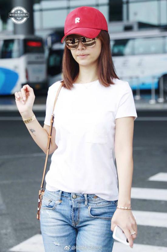 Lâm Tâm Như để mặt mộc, phục trang giản dị tại sân bay - 5