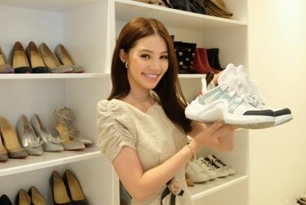 Mẫu giày thô kệch giá 25 triệu đồng được sao Việt yêu thích
