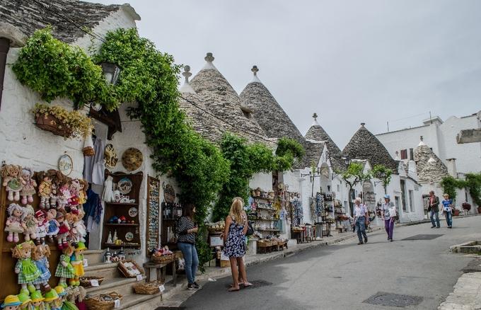 Thị trấn lều đá ở \'phần gót chiếc ủng\' Italy
