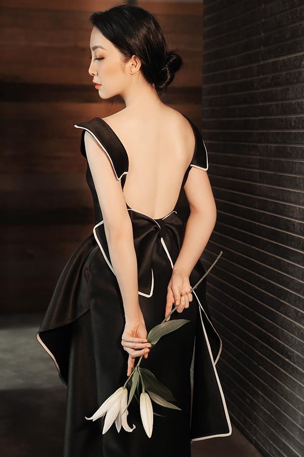 Xu hướng khoe lưng trần nuột nà ở mùa thời trang 2018 cũng được nhà mốt Việt nhanh chóng cập nhật.