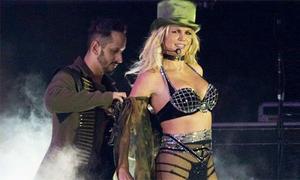 Britney Spears không nhớ đang biểu diễn ở đâu