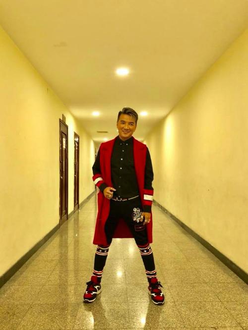 Đàm Vĩnh Hưng dự định: mặc bộ này ra sân bay đón Binz về để quay tiếp phần 2 và phiên bản Dance của Hello.