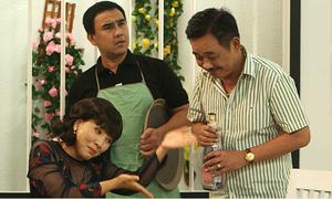 Quyền Linh, Quốc Khánh 'tranh giành' Ngọc Trinh trên màn ảnh