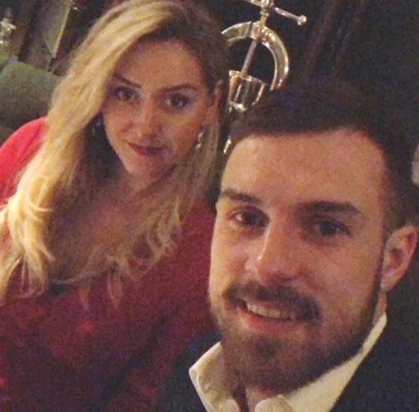 Cuộc sống yên ấm của Ramsey bên vợ và con trai đầu lòng - 9