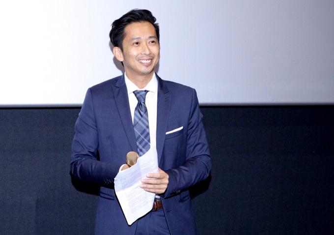 [Caption] Tập đầu tiên của chương trình The Bachelor  Anh Chàng Độc Thân được phát sóng vào lúc 20h30 ngày 14 tháng 8, trên kênh HTV 7