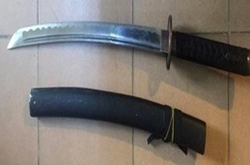 Thanh kiếm nhóm cướp sử dụng để khống chế các nạn nhân.