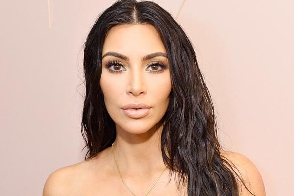 Cô Kim siêu vòng ba chi cả trăm triệu đồng cho các sản phẩm dưỡng da.