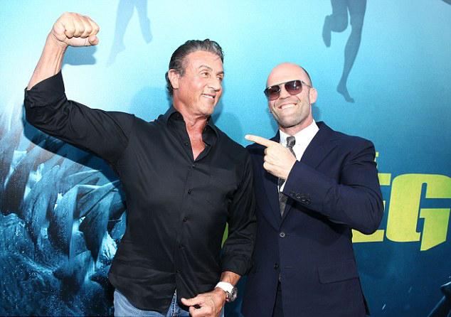 Người đồng nghiệp thân thiết Sylvester Stallone tới chúc mừng Jason Statham.