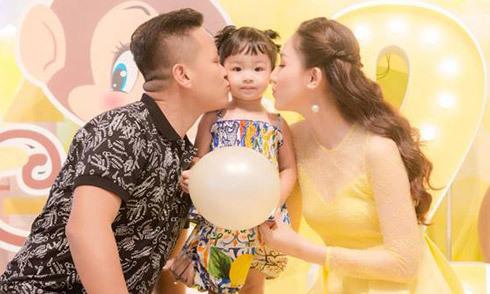 Á hậu Ngô Trà My làm sinh nhật 2 tuổi cho con gái