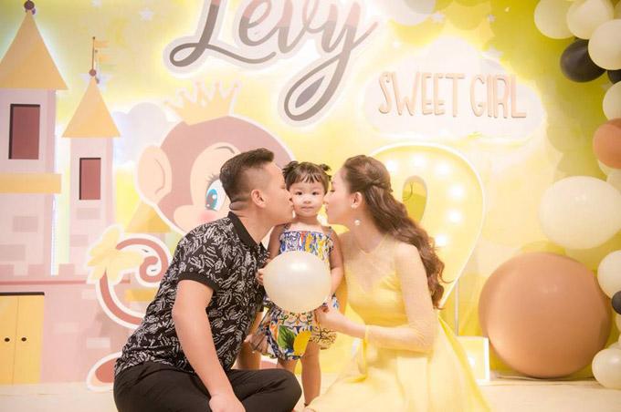 Vợ chồng Á hậu Ngô Trà My mở tiệc sinh nhật 2 tuổi cho con gái cưng - 5