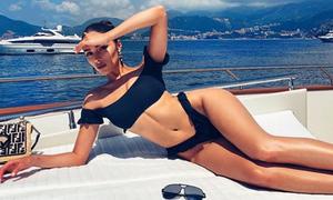'Hoa hậu chân ngắn' Olivia Culpo uống nước gừng và ngồi thiền mỗi sáng