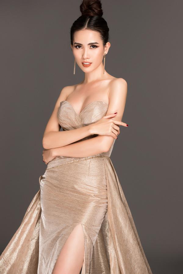 Ba bộ cánh Phan Thị Mơ mang đi thi Hoa hậu Đại sứ Du lịch Thế giới 2018 do nhà thiết kế Hằng Nguyễn thực hiện.