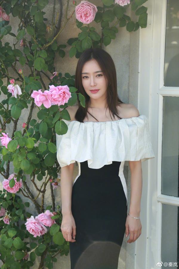 Sinh năm 1981, năm nay đã bước sang tuổi 37 nhưng Tần Lam vẫn giữ được vóc dáng thon thả và khuôn mặt tựa như thiếu nữ.