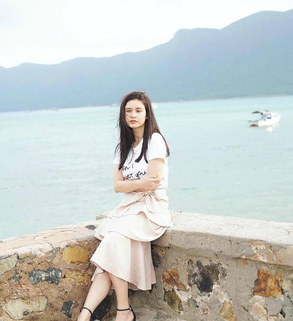 Từ khi Tim chính thức lên tiếng xác nhận chuyện li hôn, Trương Quỳnh Anh thường xuyên đăng những status buồn.