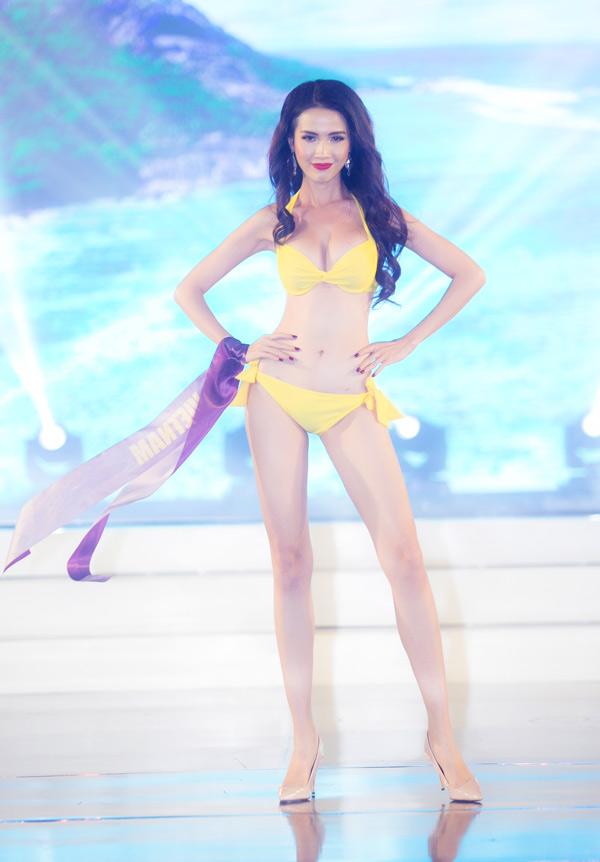 Phan Thị Mơ khoe đường cong nỏng bỏng khi trình diễn bikini trong chung kết Hoa hậu Đại sứ Du lịch Thế giới 2018. Cô catwalk tự tin trên nền nhạc ca khúc Dont let me down.