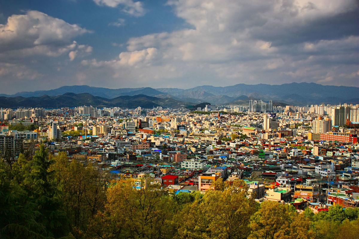 Triển lãm \'tất cả các đồ vật đều nóng chảy\' ở Hàn Quốc
