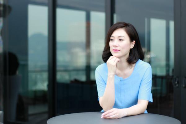 Trương Khả Di vẫn độc thân ở tuổi 48.