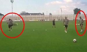 C. Ronaldo đỡ bóng hỏng khiến Dybala, Douglas Costa cười nắc nẻ