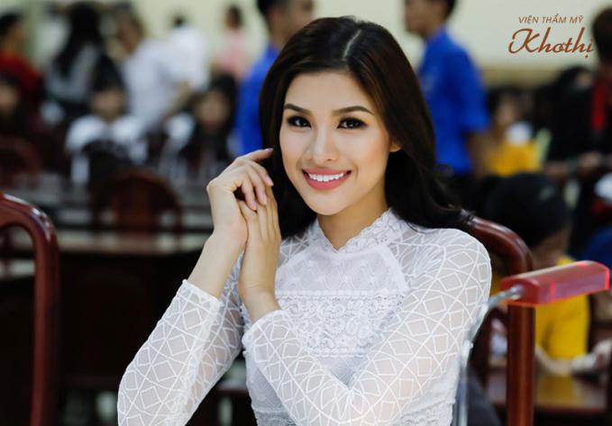 Làn da sáng hồng của Á hậu Nguyễn Thị Thành sau khi làm đẹp với Ngưu Chương Chi.