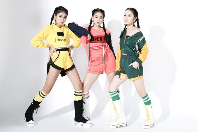 Nhà thiết kế Thanh Huỳnh là bà xã của danh thủKesleyHuỳnh. Sau thời gian tập trung chăm sóc tổ ấm, chị thành lập và phát triển một thương hiệu thời trang dành cho thiếu nhi. Mớiđây, nhà thiết kế Thanh Huỳnh cũng tham gia chương trình Asian Kids Fashion Show 2018.