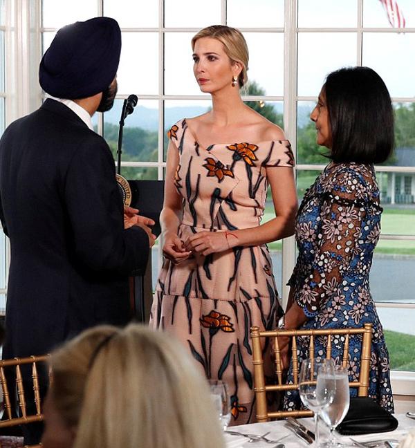 Mới đây, nữ cố vấn cấp cao của Tổng thống Mỹ quyết định đóng cửa thương hiệu thời trang mang tên mình để tập trung cho sự nghiệp chính trị.