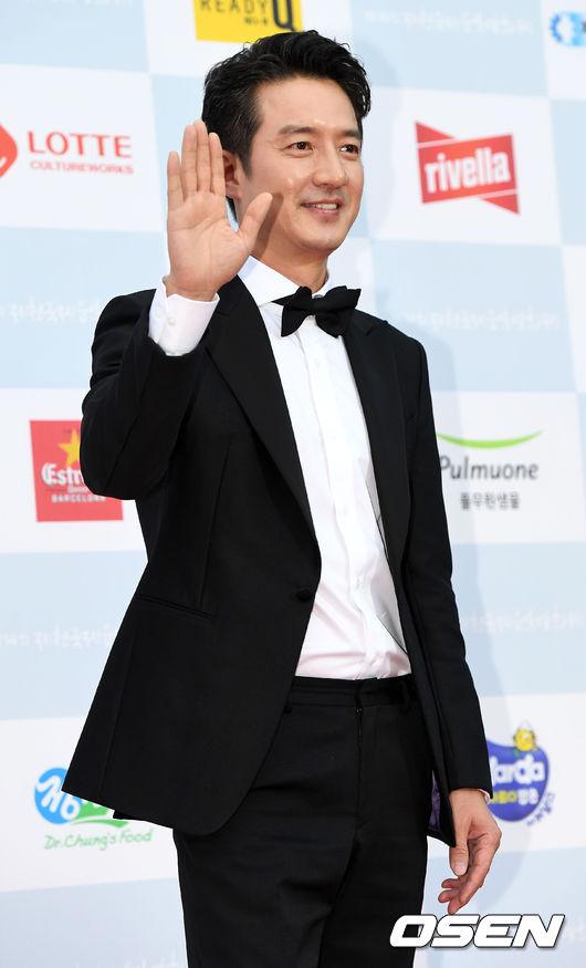 Tài tử Jung Joon Ho.