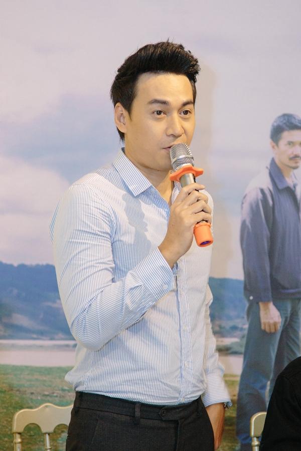 Bận rộn lịch quay Gạo nếp gạo tẻ, diễn viên Ngọc Thuận vẫn sắp xếp góp mặt với một vai diễn khách mời sát thủ trong phim.