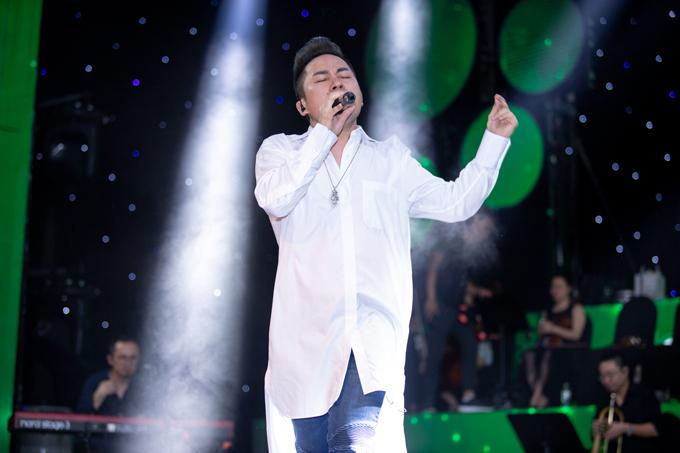 Ngoài Tùng Dương và Thanh Lam, chương trình dự kiếntổ chức vào ngày 12/8 tại TP HCM còn có sự tham gia của dàn sao nổi tiếng showbiz Việt.