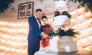 Đám cưới cổ điển với sắc đỏ burgundy của cặp Hồng Kông