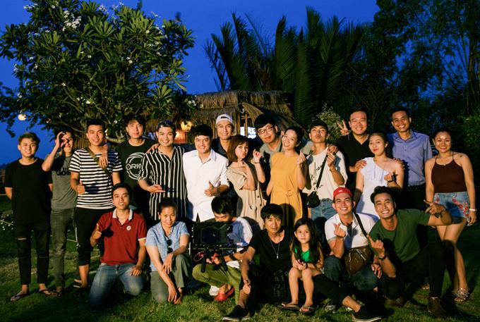 Ca khúc Yêu hay thương hại do nhạc sĩ trẻ Nguyễn Văn Trung sáng tác. Êkíp hơn 20 người hỗ trợ Cao Thái Sơn thực hiện sản phẩm này. Nam ca sĩ hy vọng sự trở lại của anh được khán giả đón nhận nồng nhiệt.