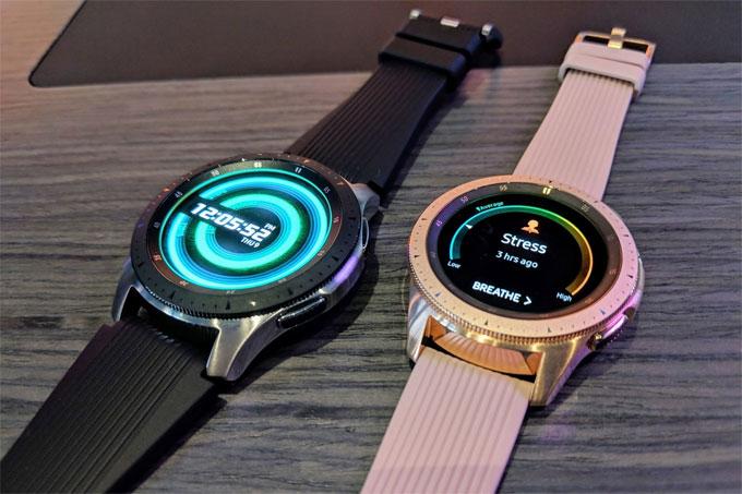 Galaxy Watch có hai kích thước, theo dõi sức khỏe tốt hơn - 1