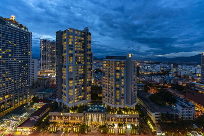 Toà tháp căn hộ 29 tầng với các căn hộ hướng biển trực diện, nằm ngay trung tâm của cung đường vàng Trần Phú.