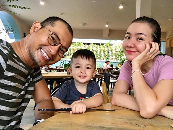 Huỳnh Đông và Ái Châu ưu tiên dành thời gian cho con.
