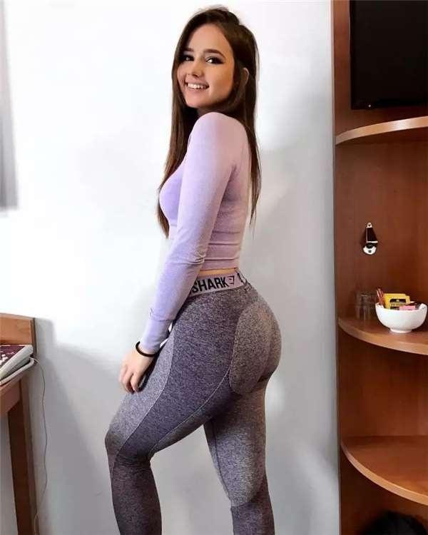 Thời gian đầu, cô gần như tới phòng gym mỗi ngày. Các bài tập làm săn chắc cơ bắp, cải thiện số đo vòng một và ba được chú trọng.