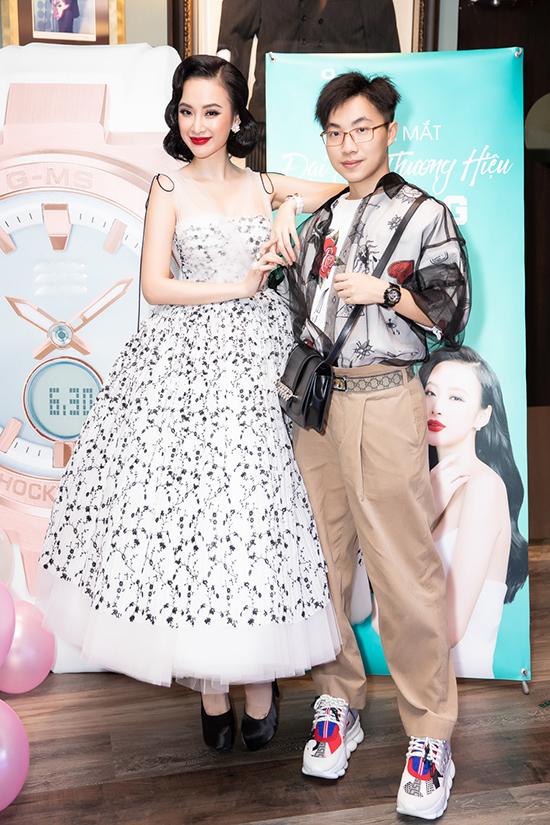 Angela Phương Trinh và chuyên gia trang điểm Hiwon - người luôn giúp cô toả sáng tại các sự kiện với các style trang điểm hợp xu hướng.