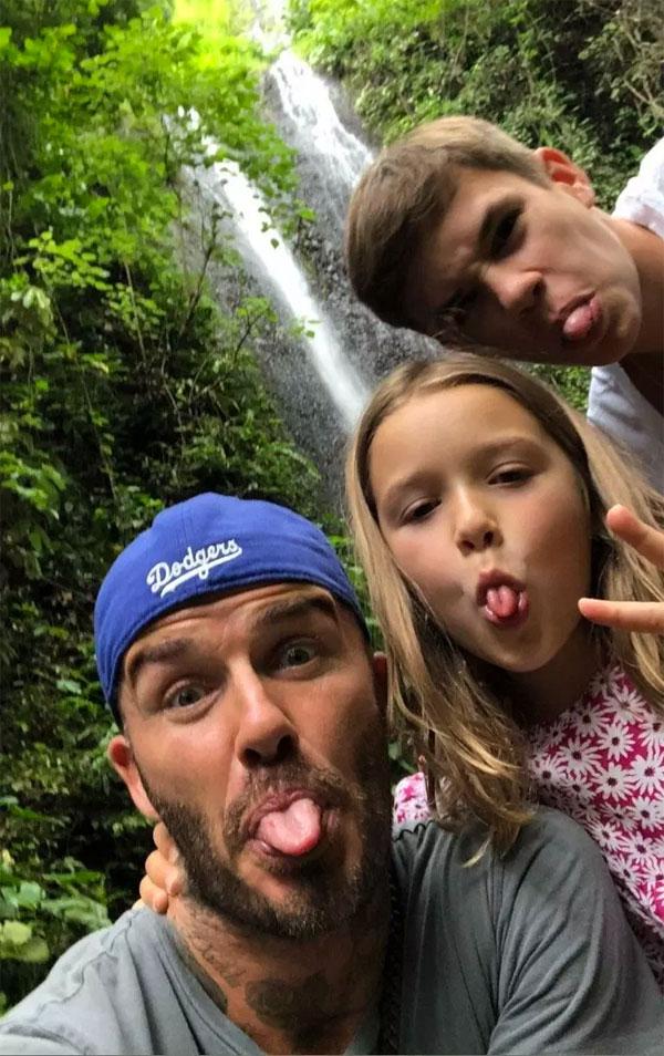 Ba bố con nhí nhảnh selfie.