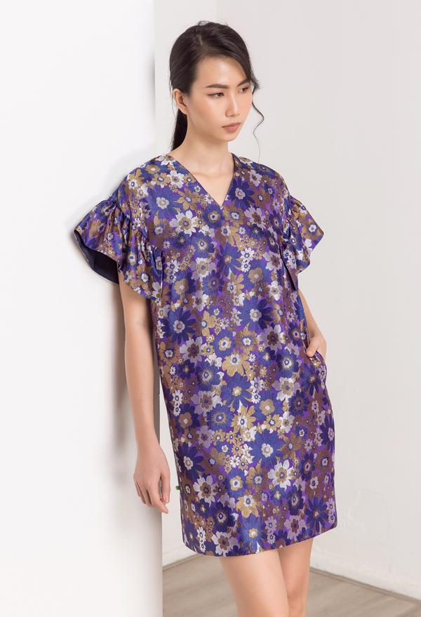 Người đẹp chia sẻ, cô thích trang phục kiểu dáng đơn giản, không quá bó để tạo cảm giác thoải mái, dễ dàng di chuyển.