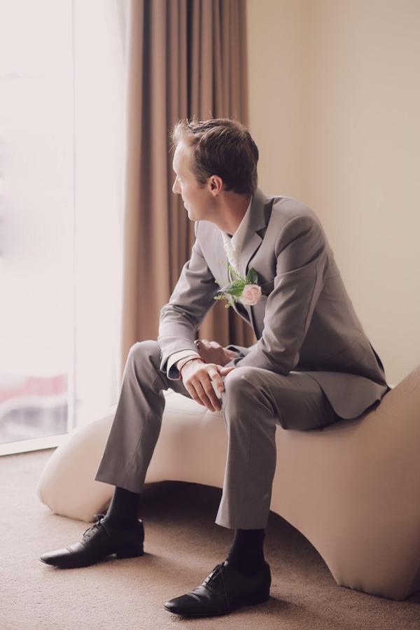 Người đẹp cho biết, cô không định kết hôn sớm vì còn mải mê với công việc mà muốn tập trung phấn đấu thực hiện giấc mơ, song cô cũng sợ mất đi người đàn ông tốt nhưAntoune cũng như hạnh phúc đời mình. Cô từng một lần trì hoãn trước lời cầu hôn của anh và gật đầu đồng ý khi được ngỏ lời lần hai.
