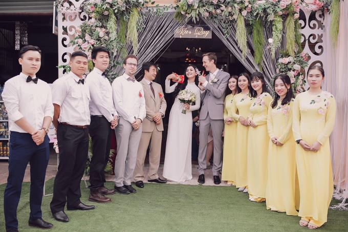 Đám cưới của Diệu Thúy và doanh nhân người Pháp được tổ chức tại quê nhà của cô tại Quảng Trị. Ngày vui của cựu diễn viên diễn ra bình dị với sự tham gia của một số người thân và bạn bè. Trước đám cưới tại Việt Nam, cặp đôi đã tổ chức một bữa tiệc nhỏ tại quê nhà của chú rể ở Pháp.