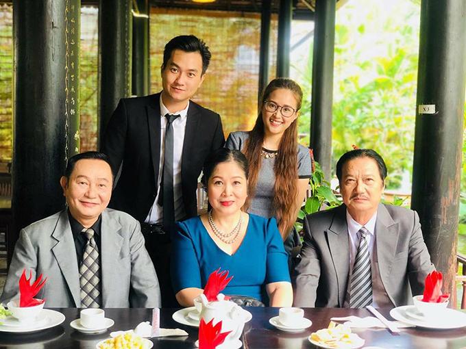 Anh Tuấn và Phương Hằng đóng vai yêu nhau trong phim truyền hình Gạo nếp gạo tẻ. Cặp đôi mang nhiều tình huống hài hước cho phim.