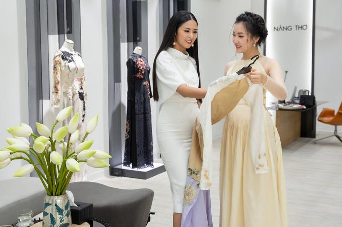 Đăng quang vào năm 2010,Ngọc Hân còn được biết đến với vai trò làmột nhà thiết kế áo dài. Tuy nhiên cô vẫn ủng hộ bạn bè khi khởi nghiệp bằng công việc kinh doanh thời trang.
