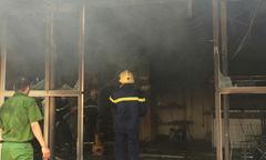 Cháy chợ huyện ở Thanh Hoá, 5 ki-ốt bị thiêu rụi