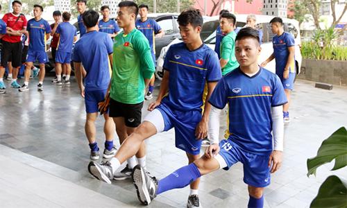 Ban tổ chức đổi lịch đột ngột, Olympic Việt Nam phải tập trên nền bê tông